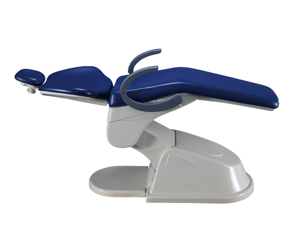 Dental chair with both side armrests